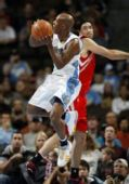 图文:[NBA]火箭VS掘金 斯科拉阻击比卢普斯