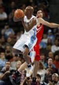 图文:[NBA]火箭负掘金 斯科拉阻击比卢普斯