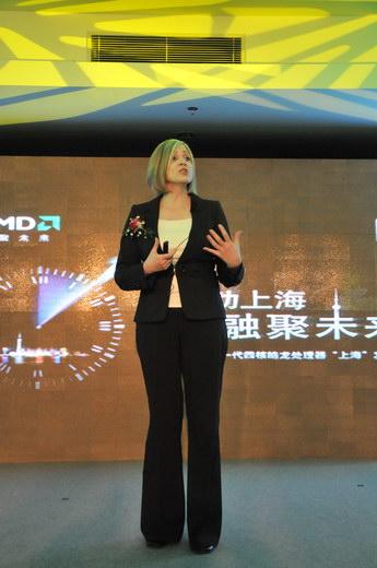 AMD全球产品市场副总裁Leslie Sobon 女士