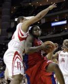 图文:[NBA]火箭VS快船 海耶斯防守拼命