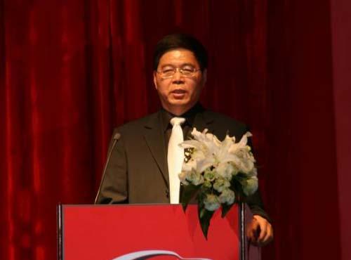 人民日报市场报总编辑、中国汽车报社社长、汽车族杂志社社长李庆文先生