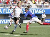 图文:[女足世青赛]德国5-3法国获季军 迎头一击