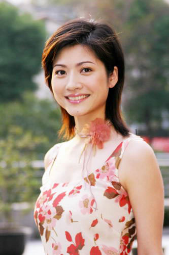 身为东方卫视当家主持的吉雪萍已经嫁作人妇