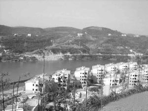 小区依山傍水 《长江商报》供图