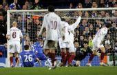 图文:[欧冠]切尔西2-1克鲁日 门前混战