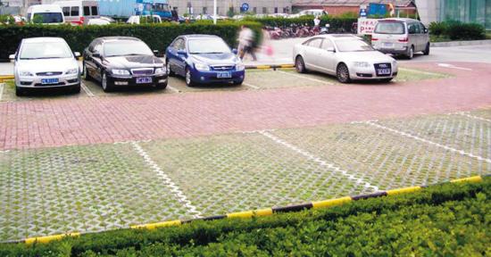 """""""还原""""被商用的停车场   马先生,东陵区万柳塘社区居民   现在有图片"""