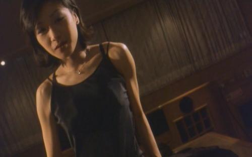 香港电影频道 秘闻大踢爆       《应招女郎1988》中冯宝宝饰演的家庭