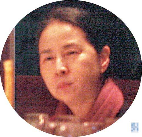 母亲林凤娇在帮儿子庆生的同时,也顺便认识儿子交往的女友们