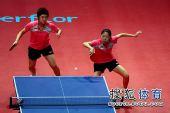 图文:乒联总决赛双打首日 于梦雨姿势奇怪