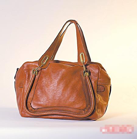 春季从基本款延伸出方形手提包。15375元