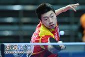 图文:马龙4-0完胜尹在荣 马龙网前截击