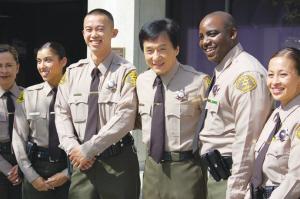 国际新闻 国际要闻 域外华闻    为促使华人做警察,洛杉矶县警局特邀