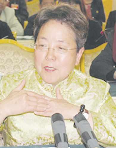 12月7日,谢启大在北京收到了通过司法考试的通知书。