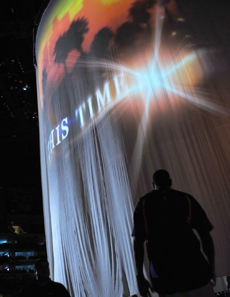 图文:[NBA]湖人VS森林狼 湖人主场灯光