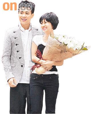 梁汉文与拍拖10年女友林文慧结婚。