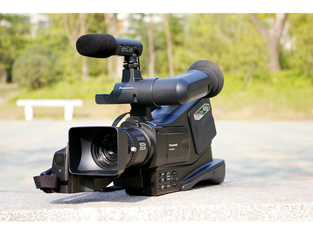 3CCD广播级摄像机 松下MD10000套装促销