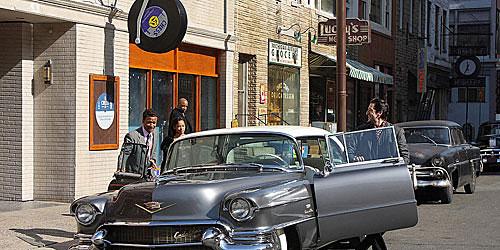 《Cadillac Records》中凯迪拉克出场的剧照