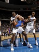 图文:[NBA]湖人VS魔术 加索尔摧城拔寨