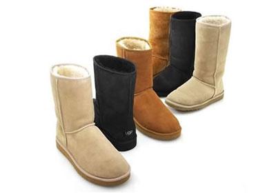 Ugg靴子 价格:130美元(女士经典短款)