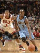 图文:[NBA]公牛VS爵士 纳特突破罗斯