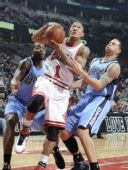 图文:[NBA]公牛VS爵士 罗斯突破上篮