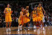 图文:[NBA]步行者负76人 步行者庆祝胜利