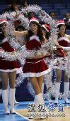 组图:北京宝贝圣诞装助阵 性感小美女微笑留情