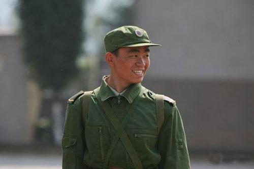 许三多被称作是现代中国版的阿甘
