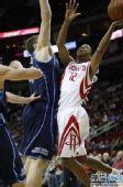 图文:[NBA]火箭VS爵士 阿尔斯通上篮