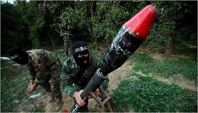 哈马斯武装近年积极发展武器及人员装备。