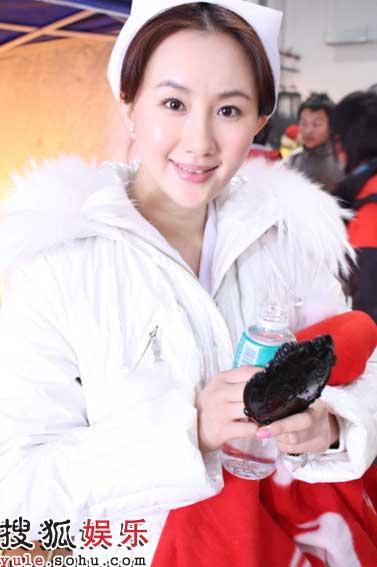孟瑶《未来警察》饰演美丽俏护士