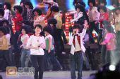 组图:跨年演唱会―许飞 厉娜《红蜻蜓》