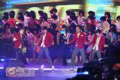 组图:跨年演唱会―快男联唱《失恋阵线联盟》