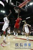 图文:[NBA] 小布挂篮下