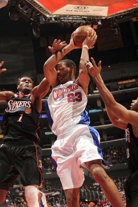 图文:[NBA]76人VS快船 坎比遭遇打脸