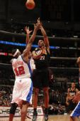 图文:[NBA]76人VS快船 索顿防守不利