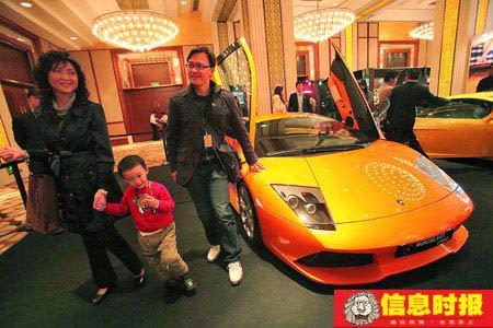 意大利顶级跑车兰博基尼价值650万元  本版摄影 信息时报记者 郭柯堂