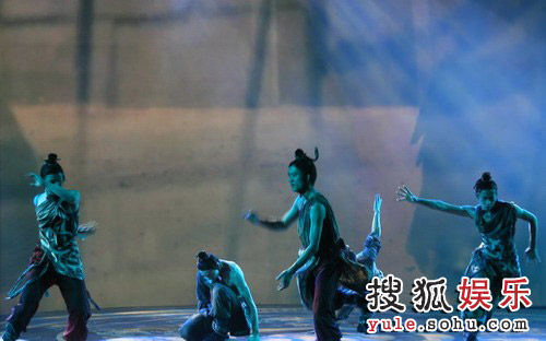 图:《赤壁(下)》首映礼 宏大舞蹈表演
