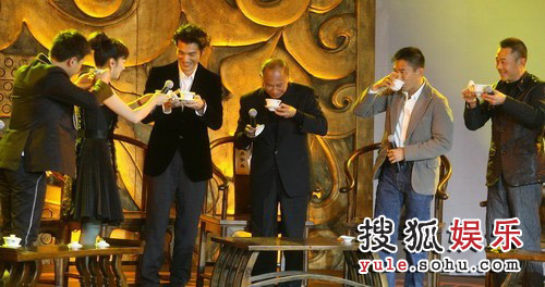 图:《赤壁(下)》首映礼 以茶代酒
