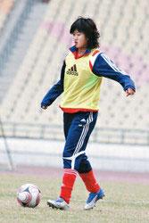 韩端在广州备战四国女足赛