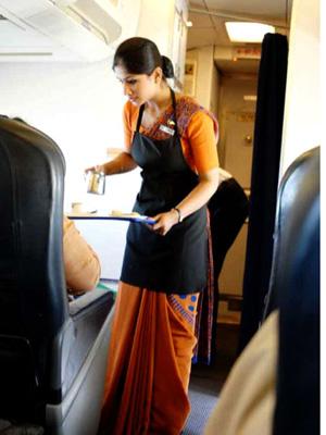 """印度空姐因""""体重超标"""" 被航空公司解雇"""