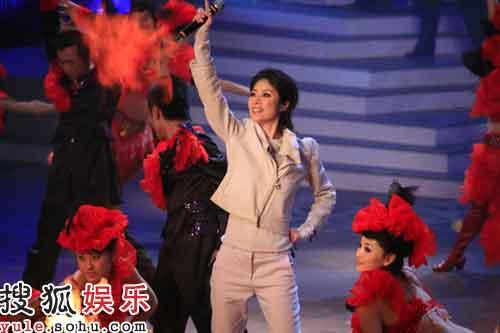 陈慧琳舞台表现动感十足