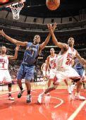 图文:[NBA]公牛平衡进攻完胜奇才 篮板球争抢激烈