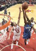 图文:[NBA]公牛平衡进攻完胜奇才 麦克詹姆斯强投