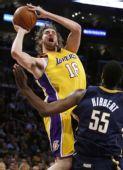 图文:[NBA]步行者负湖人 加索尔投篮