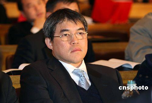 香港英东集团董事霍震宇出席会议。中新社发 张宇 摄