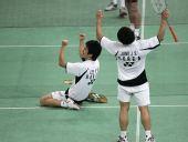 图文:马来西亚羽球赛决赛 李龙大跪地庆祝