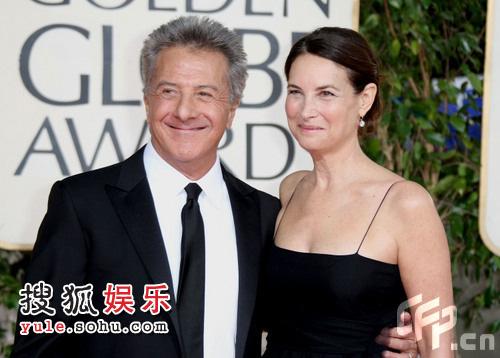 达斯汀-霍夫曼和妻子Lisa幸福亮相