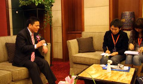 远东控股集团董事局主席蒋锡培接受采访