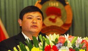 省政协副主席黄润秋作省政协提案工作情况报告。